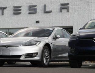 Voitures Tesla chez le concessionnaire