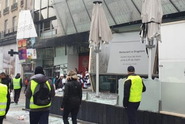"""""""Gilets jaunes"""": des magasins pillés sur les Champs-Elysées"""