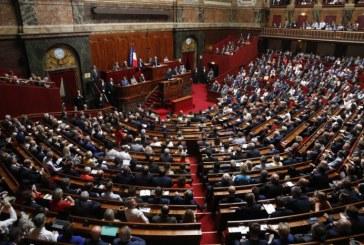 """France : la controversée """"loi anti-casseurs"""" adoptée définitivement par le Parlement"""