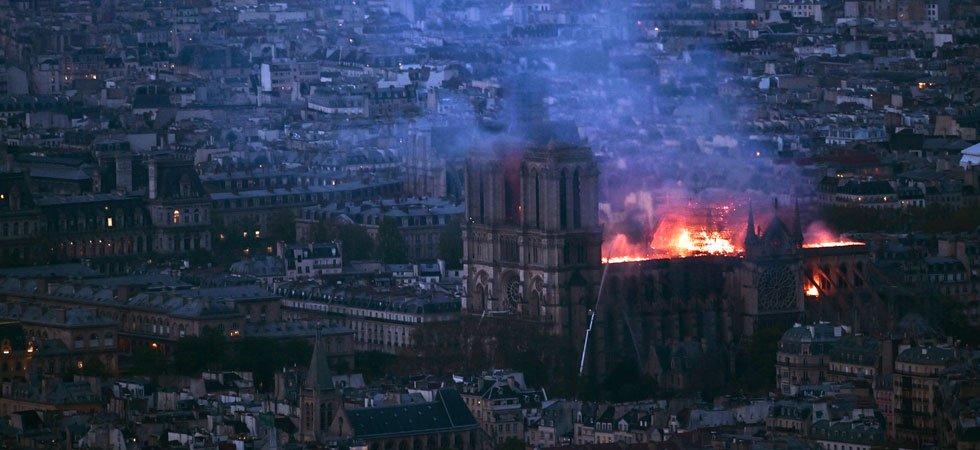 """URGENT. La structure de Notre-Dame de Paris """"est sauvée et préservée dans sa globalité"""""""