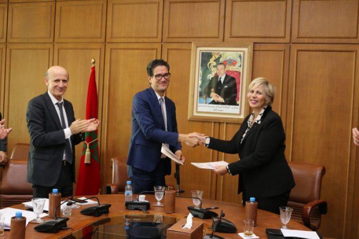 Signature d'une Convention entre le Ministère des Finances et l'AMMC
