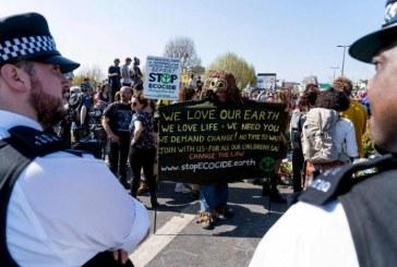 Londres : 715 arrestations en une semaine pour des blocages dans les rues causés par des manifestations écologiques