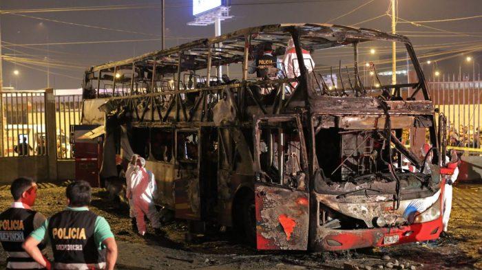 Pérou: Au moins 20 morts dans l'incendie d'un autobus dans une gare routière