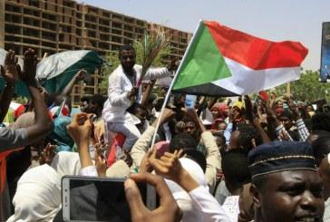 Soudan : la contestation maintient la pression sur les militaires au pouvoir