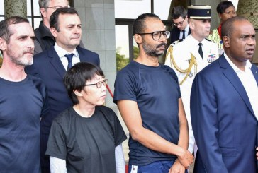 Les deux ex-otages français au Palais présidentiel de Ouagadougou