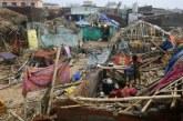 Au moins 8 morts après le passage du cyclone Fani qui avance vers Calcutta et le Bangladesh