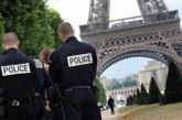 La Tour Eiffel évacuée en raison d'une personne en train d'escalader l'édifice