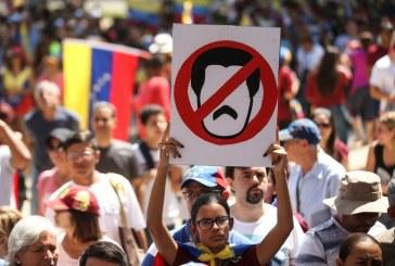 Manifestations anti-Maduro au Venezuela: Quatre morts et plusieurs blessés