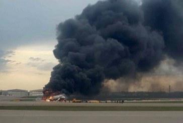 Russie : un avion en feu sur le principal aéroport de Moscou, des blessés
