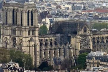 Première messe après l'incendie, samedi à Notre-Dame