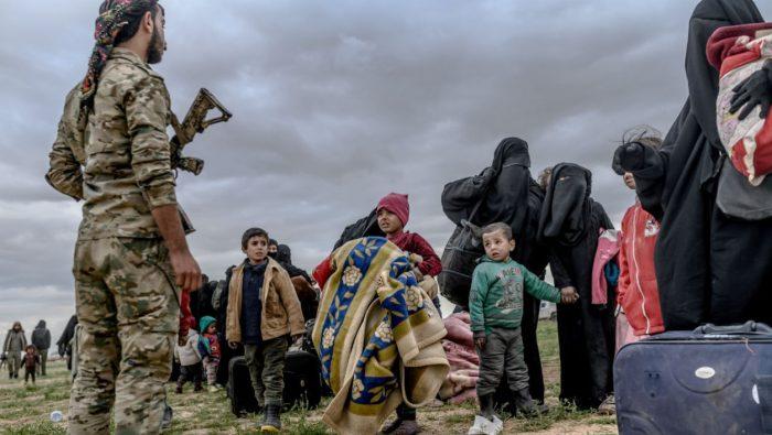12 enfants orphelins de familles jihadistes sont arrivés à Paris — Syrie