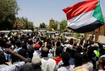 Soudan: les militaires usent de la force pour disperser le sit-in