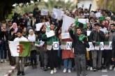 Algérie, les étudiants marchent contre le régime pour la 20e semaine consécutive