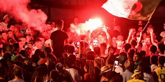 Heurts et incendies de voitures à Lyon après la liesse des fans de l'Algérie