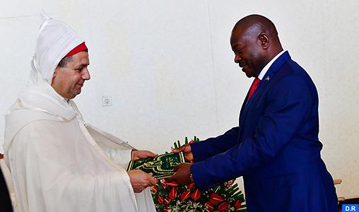 Mokhtar Ghambou présente ses lettres de créance au président Nkurunziza en tant qu'ambassadeur de SM le Roi au Burundi