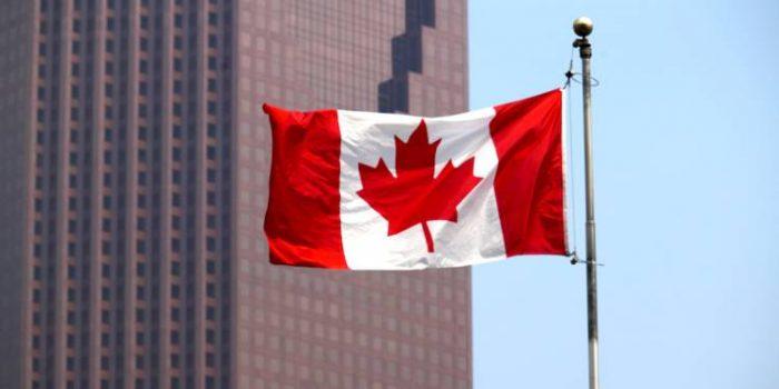 Canada: perte de 2.200 emplois en juin, taux de chômage en hausse à 5,5%