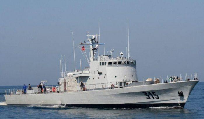 La Marine royale porte secours à quelques 330 immigrés clandestins