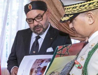 SM-le-Roi-reçoit-à-Al-Hoceima-lInspecteur-Général-des-FAR_M
