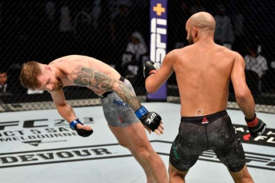 Ultimate Fighting Championship : Victoire par KO de Ottman Azaitar face au Teemu Packalen