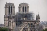 """Notre-Dame de Paris toujours """"en danger"""""""