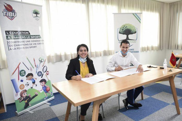 Signature de partenariat entre Ghita Chafik et Ismail Amzil