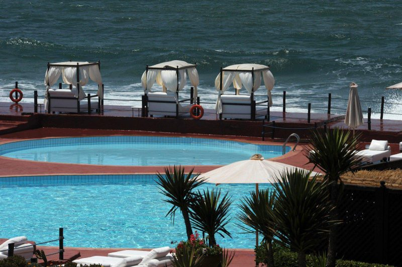 Casablanca En Ratant La Saison Les Piscine De La Corniche Paient Le Prix Cher Pour Le Covid 19