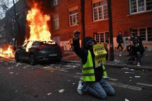 Sécurité globale : manifestations dans toute la France, scènes de vandalisme à Paris